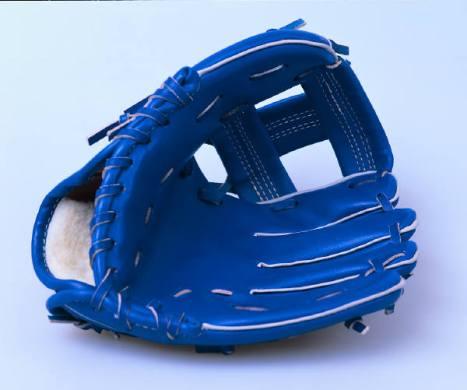 ph03476i mature market softball