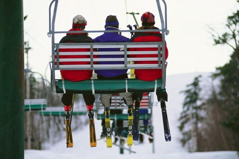 CB047167 mature market skiers